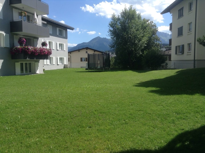 Flims Dorf garden flat,10min walk lifts, parking