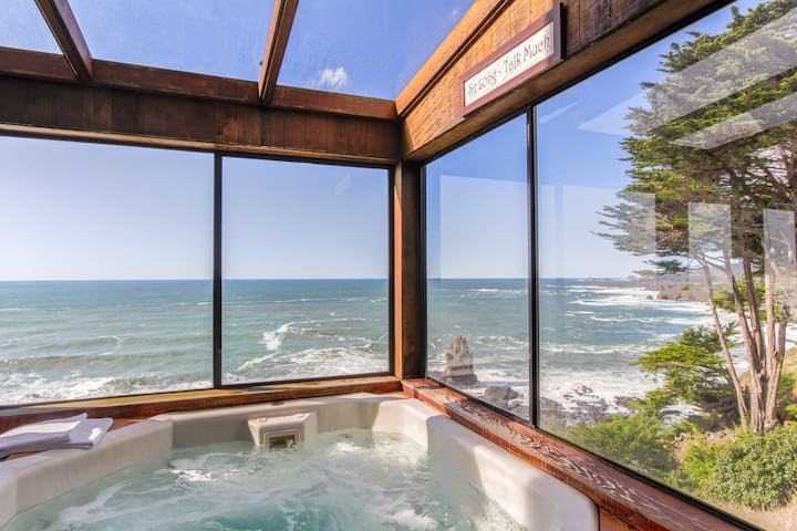 Oceanfront w/ incredible views, decks & a hot tub - close to town, 1 dog OK!