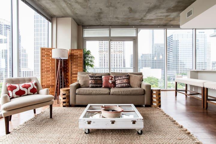 Tropical Luxury Midtown Atlanta 2BR Apartment