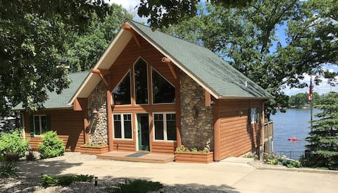 Custom Lakefront Home - Winter Dates Available!!