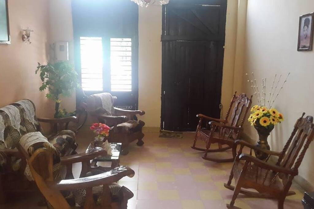 The house is located very near to the Viazul bus station and the central park.