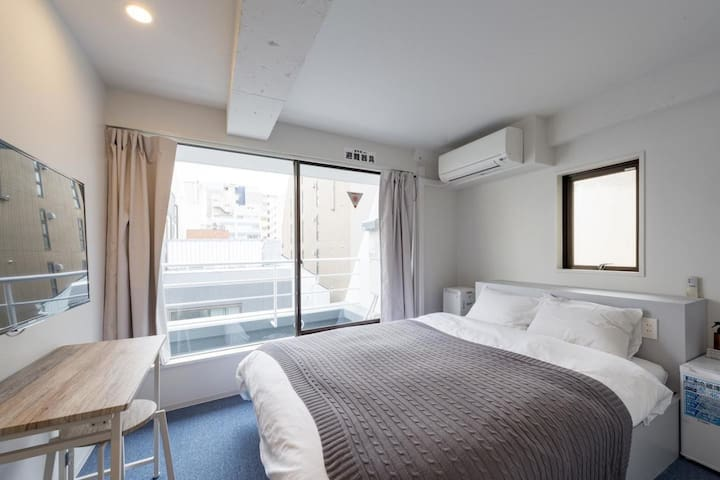 【8 minutes on foot from Kanda station】Deluxe Double Room・Free Wi-Fi