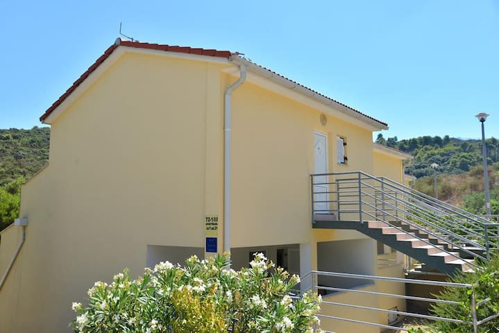 Apartments Funda / Two Bedrooms Sunce 4+1 A5