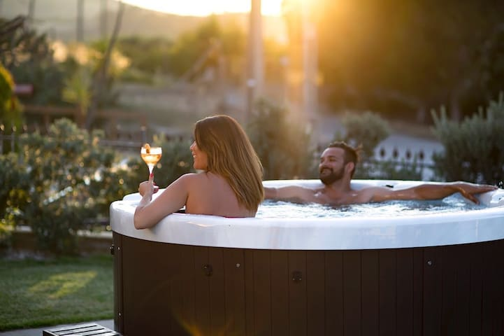 Jacuzzi - relaxing area
