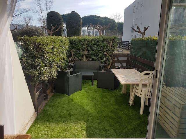 Studio équipée rénovée avec jardin - La Grande-Motte - Apartamento
