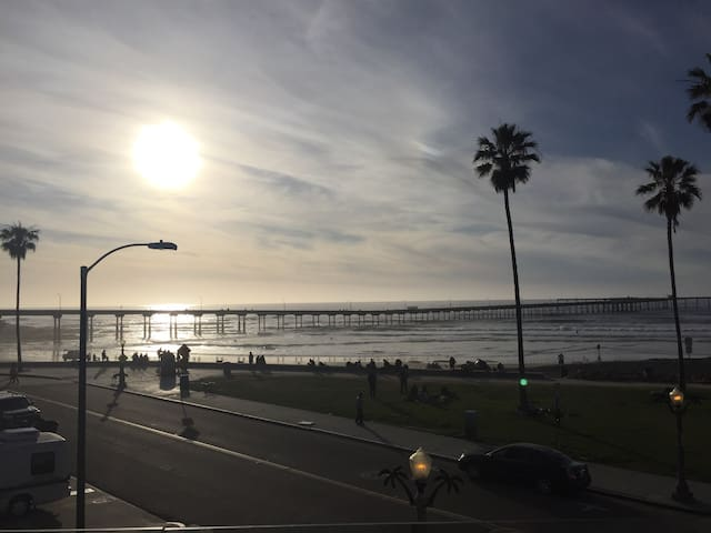 One bedroom a block from the beach! - San Diego - Apartamento