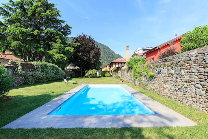 The Chalet with pool on Lago Maggiore