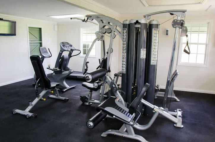 Well equipped gym room