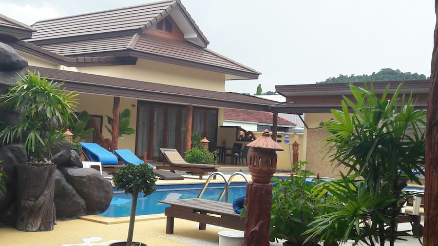 2-BEDROOM POOL VILLA WITH PRIVATE JACUZZI - Ao Nang - Apartment