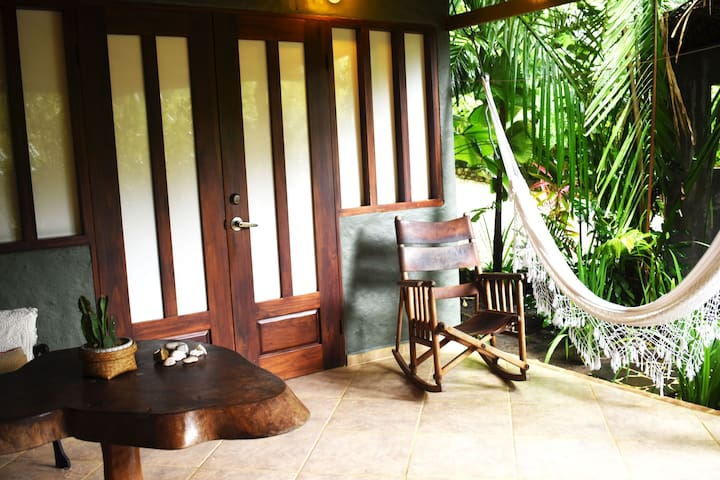 Tropical Garden Bungalow. Surf and enjoy the beach