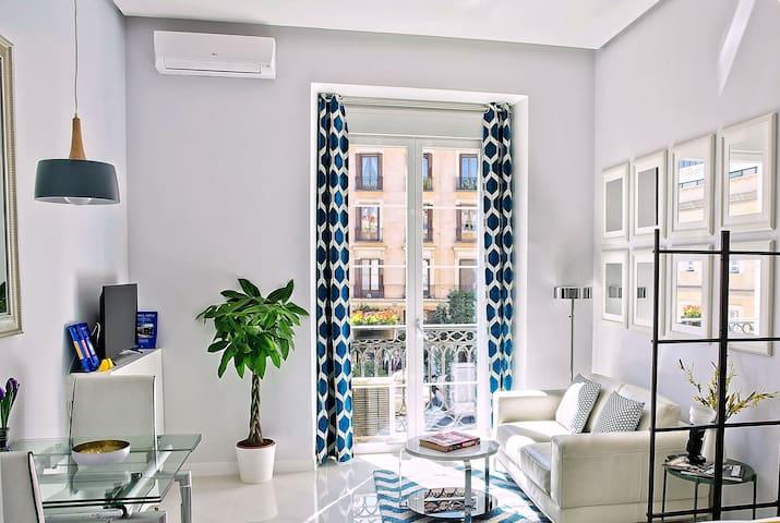 PUERTA DEL SOL, ESTUDIO LUMINOSO, DISEÑO Y BALCÓN - Madrid - Appartement