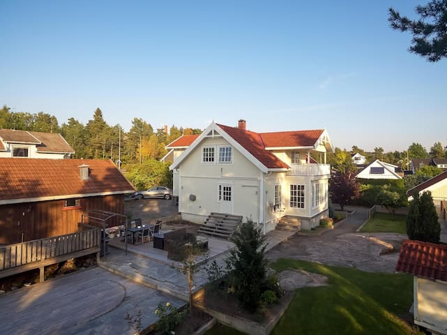 Beautiful, renovated home, big yard, 40min to Oslo - Nesodden