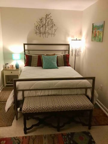 One Bedroom & Bathroom Suite in Alexandria