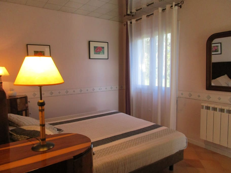 Chambre d 39 hotes prades le lez bed breakfasts for for Chambre d hotes languedoc