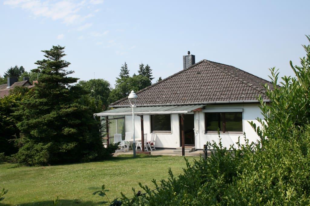 Ferienhaus mit Süd-Terrasse