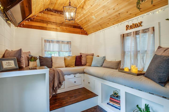 Virginia Tiny Home / WIFI /  Full Kitchen & Bath