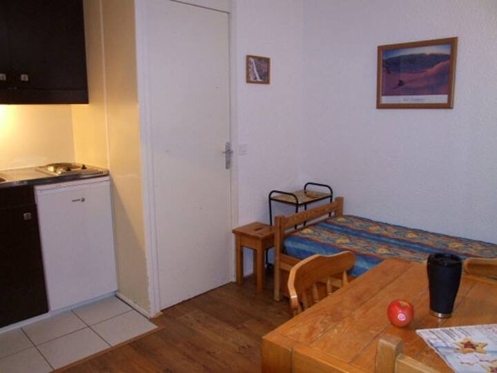 VAL THORENS SIMPLE STUDIO 2 PERSONS VERY CENTRAL
