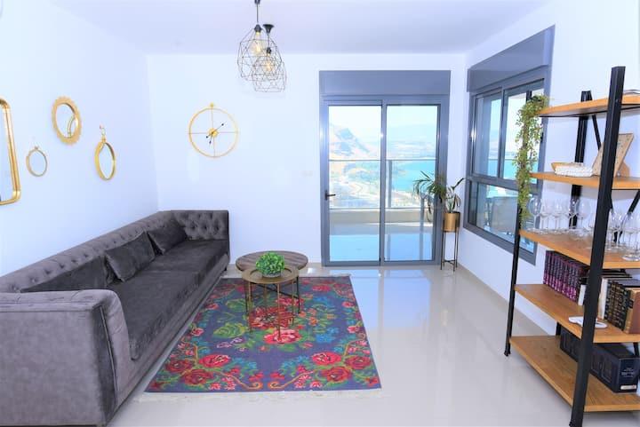 ♕Aristone Luxury Apartment♕- 3Bdrm+ parking+ view