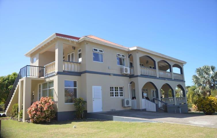 Crimson House Villa