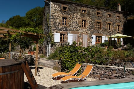Art et Creation B&B with a view - Saint-Bérain
