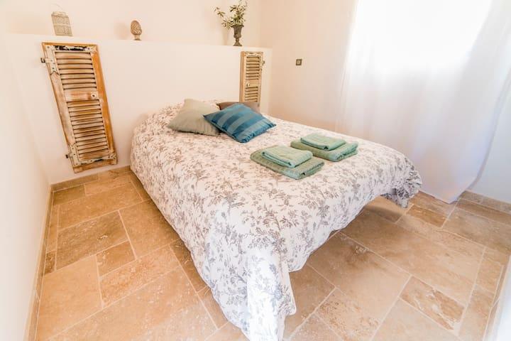 3 Chambres d'hôtes O Patio du Mas - Callas - Bed & Breakfast
