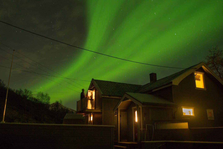 Dazzling Northern Lights above the house (photo by Lieke van Raan, guest in Dec 2018)