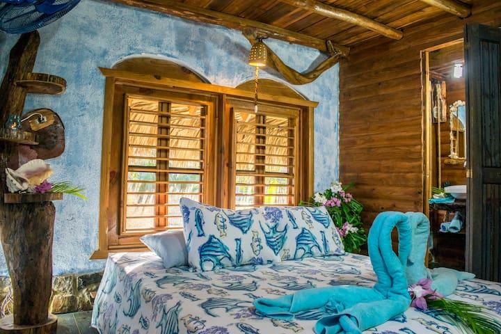 Chalet Tropical B&B #5 quadruple room Pool Access