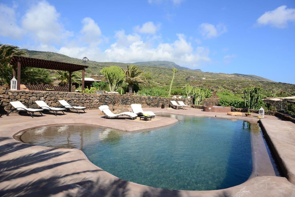 Pantelleria dammuso le palme ville in affitto a scauri pantelleria italia - Dammusi con piscina pantelleria ...