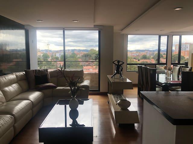 Lujoso penthouse.200 m2  80 m2 terraza 2 balcones