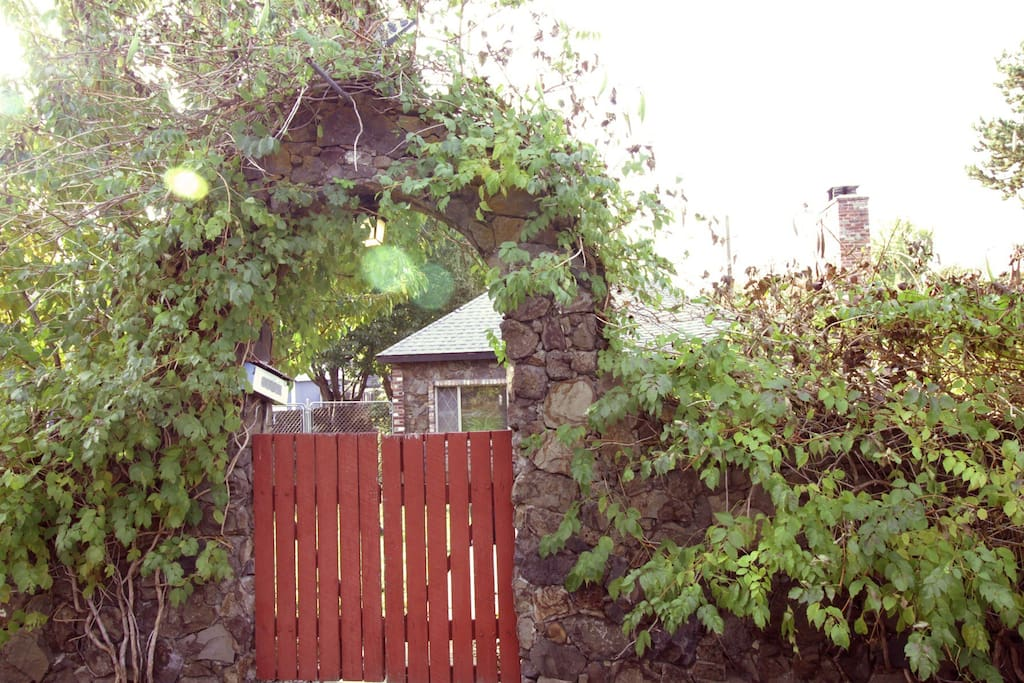 Gated entrance to the front yard from the street.