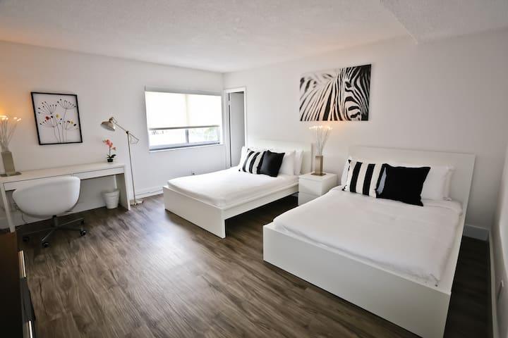 Luxurious Coconut Grove 2Bedroom/ 2 Bathroom Apt - Miami - Appartement