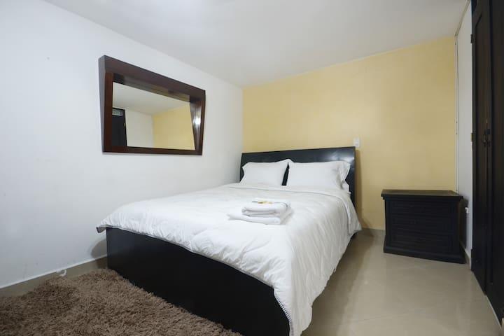 Bedroom 5 with queen