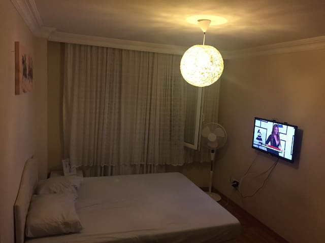 Cheap, Clean and Comfortable Room - Sancaktepe - Apartamento