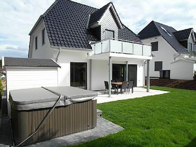 Villa Sonnensee am Fleesensee - Göhren-Lebbin - Casa