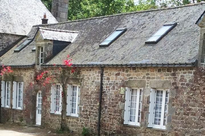 Le logis de Gwen Aël, Château de Trégarantec