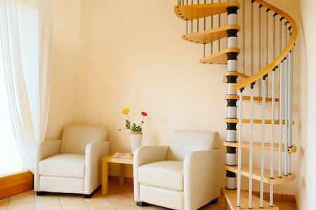 Royal Family Suite a 6km da Salerno - San Cipriano Picentino - Aamiaismajoitus