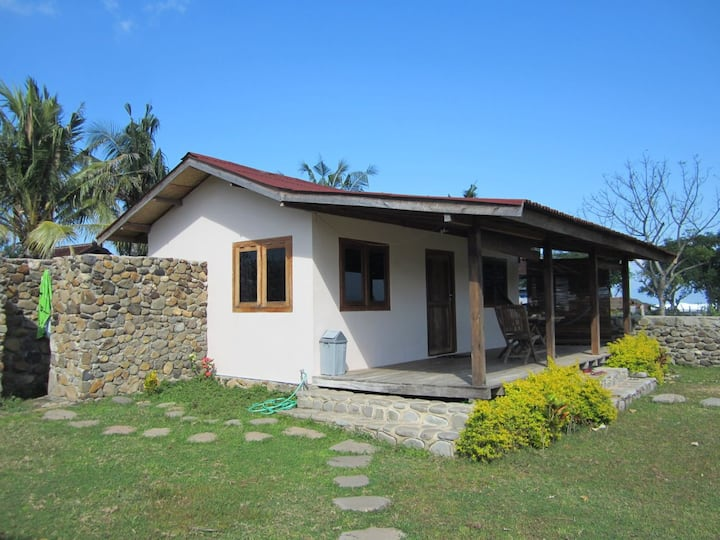 Nungas beach cottage, Lakey peak