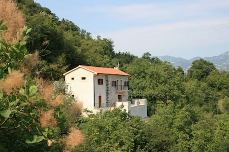 Gorgeous stone villa at Lake Skadar - Virpazar
