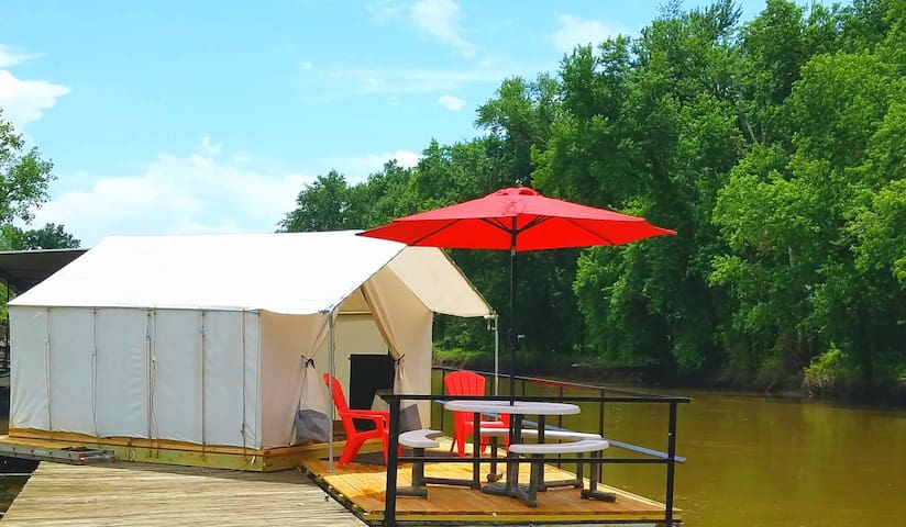 Glamping on Water - Paddler's Rest