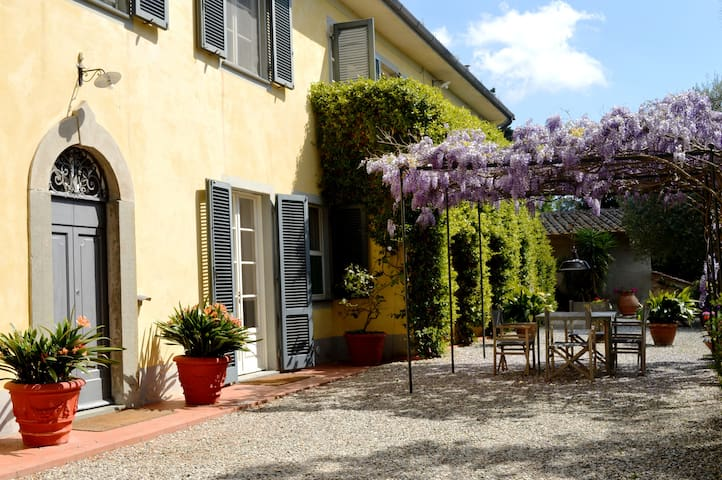 LUXURY SUITE 1  IN  TUSCANY VILLA - Fauglia - Maison