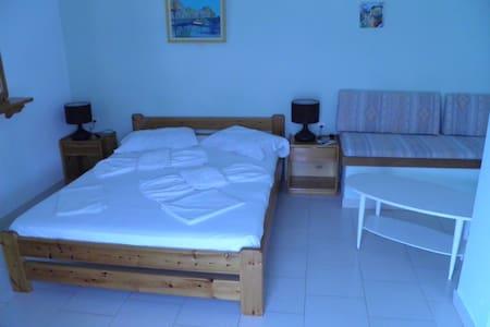 Double Room in Kini, Syros - Kini - Bed & Breakfast