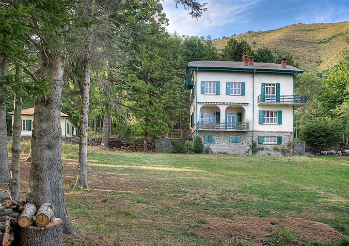 Prati Piani Villa and two apartments for 16 person