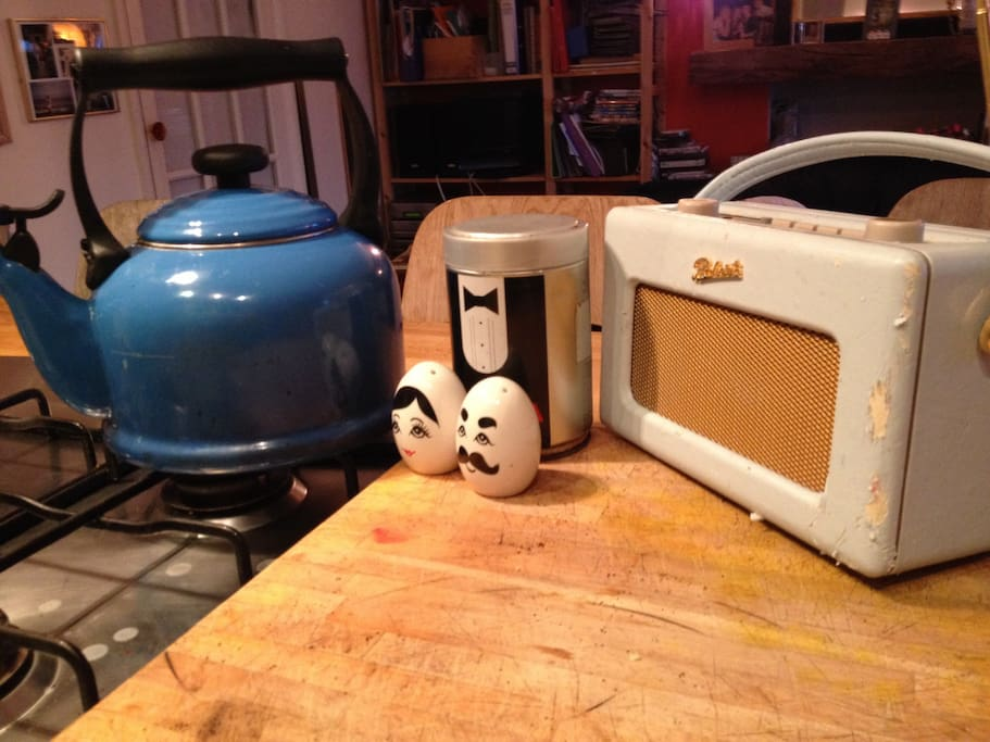 Listen to the digital Roberts radio and make a cup of coffee in.a Le Cureset kettle.