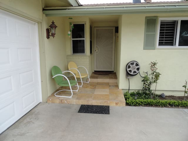 Awesome Gated Property in San Diego - Stratford - Huis