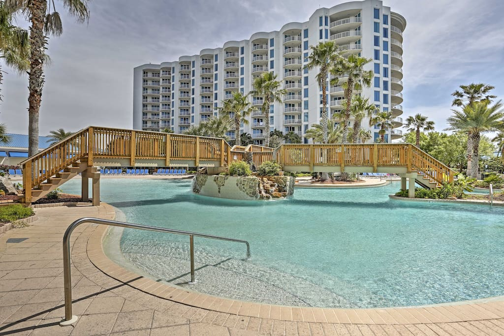 Take advantage of the abundant amenities offered at The Palms of Destin Resort.