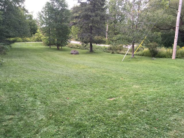 Expansive grass backyard for lawn games!