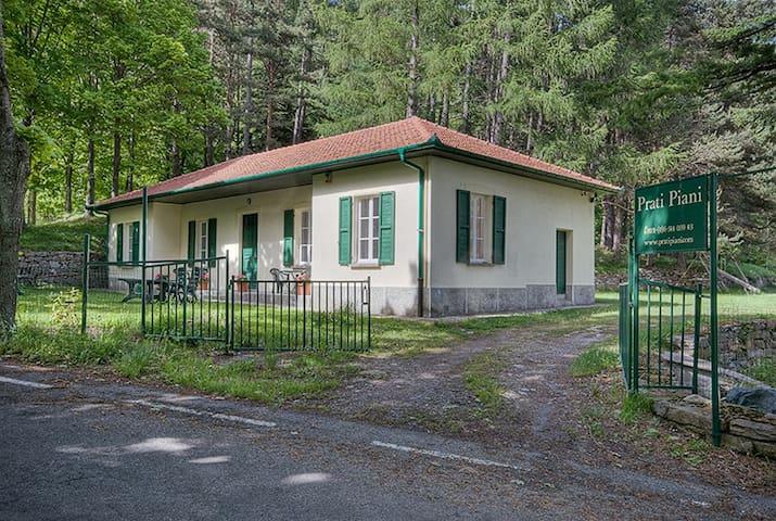 Casa cantoniera prati piani 4 pers case in affitto a for Piani di casa del mississippi
