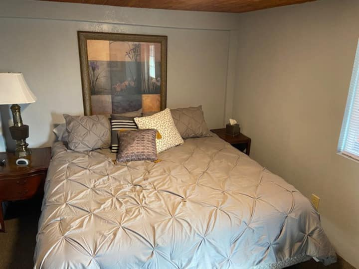 Private room with balcony in downtown Elkton! #201