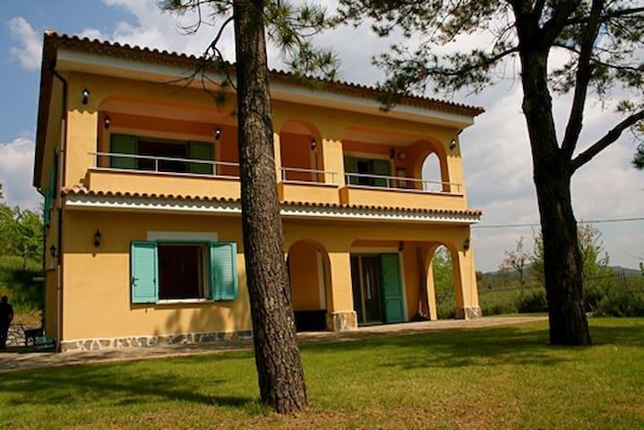 Accogliente villa vicino Palinuro - Centola - Hus