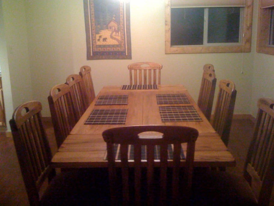 Dining room can seat ten guests